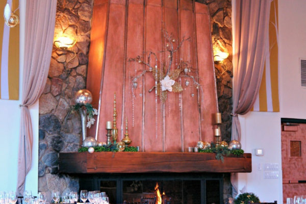 holiday-parties-the-pond-house-cafe-2